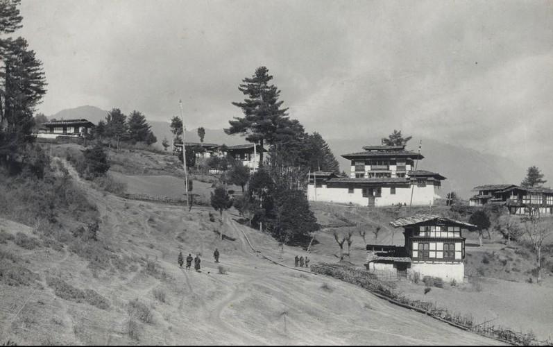 Dat nuoc Bhutan thap nien 1900 qua anh-Hinh-4