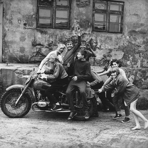 Kham pha dat nuoc Lithuania thoi Lien Xo thap nien 1960, 1970-Hinh-2
