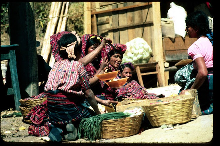 Tro lai voi dat nuoc Guatemala hoi thap nien 1970-Hinh-2