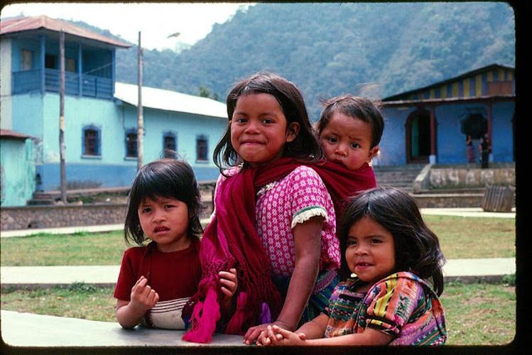 Tro lai voi dat nuoc Guatemala hoi thap nien 1970-Hinh-3