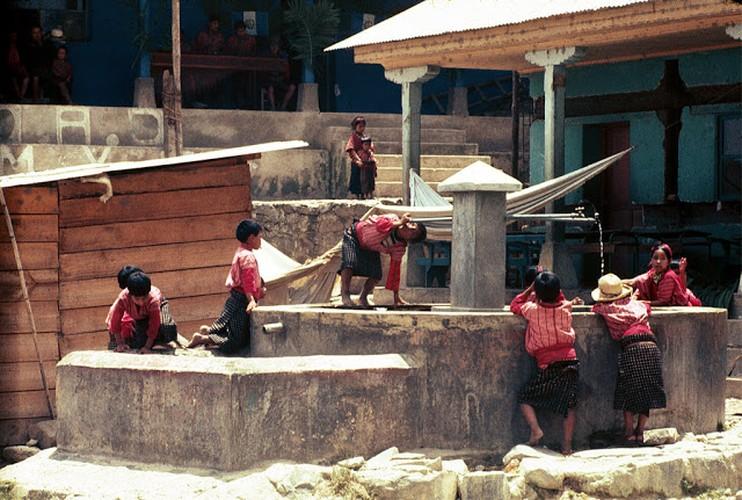 Tro lai voi dat nuoc Guatemala hoi thap nien 1970-Hinh-8