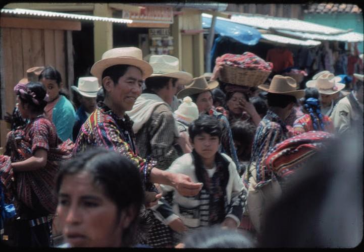 Tro lai voi dat nuoc Guatemala hoi thap nien 1970-Hinh-9