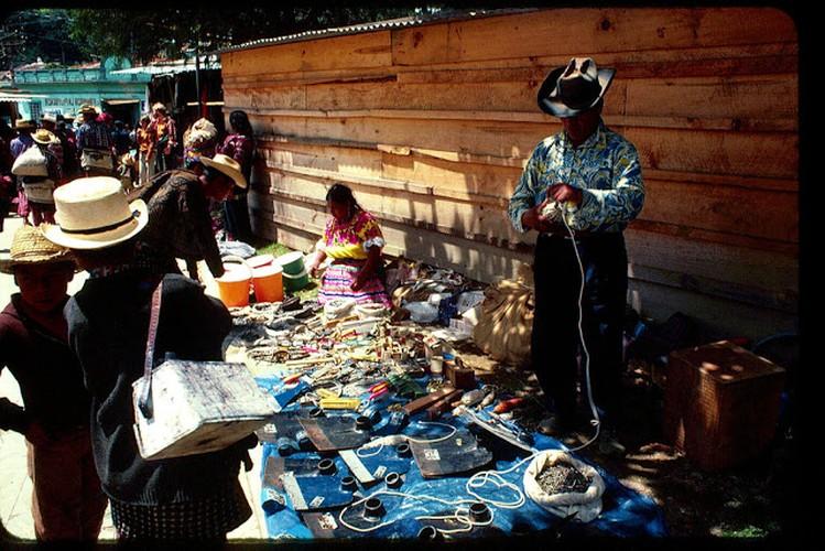 Tro lai voi dat nuoc Guatemala hoi thap nien 1970