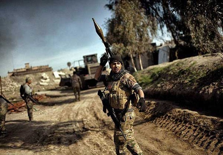 Chum anh quan doi Iraq o at danh khung bo o Tay Mosul-Hinh-4