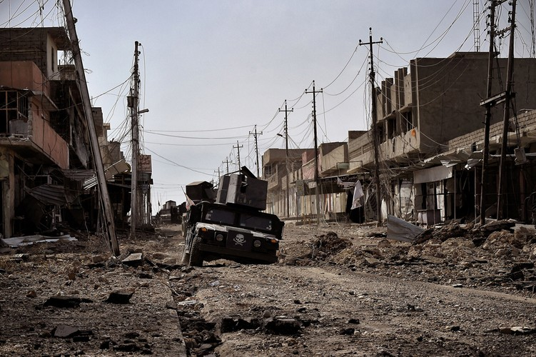 Loat anh chua tung biet ve danh IS o Tay Mosul-Hinh-2