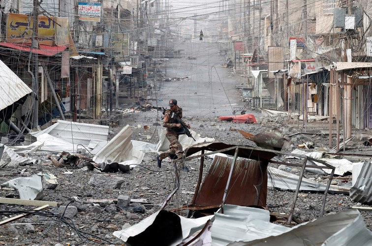 Loat anh chua tung biet ve danh IS o Tay Mosul-Hinh-5