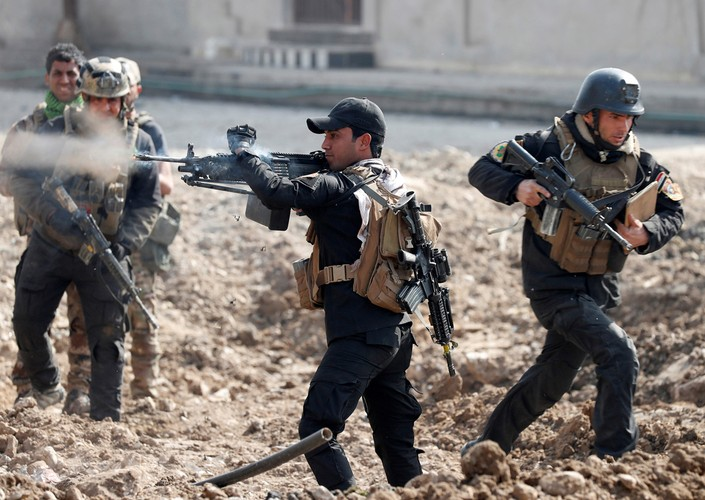 Loat anh chua tung biet ve danh IS o Tay Mosul-Hinh-8