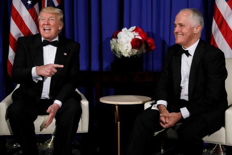 Anh: Dan chung phan doi ong Trump tro ve New York-Hinh-6