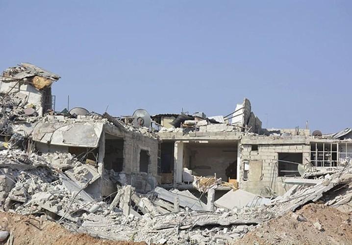Anh: Quan doi Syria gianh lai quan al-Qaboun, khung bo rut lui-Hinh-8