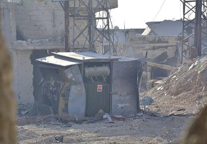 Anh: Quan doi Syria gianh lai quan al-Qaboun, khung bo rut lui-Hinh-9