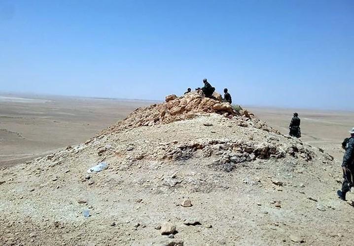 Anh: Quan doi Syria mo mat tran moi giai phong Deir ez Zor-Hinh-2