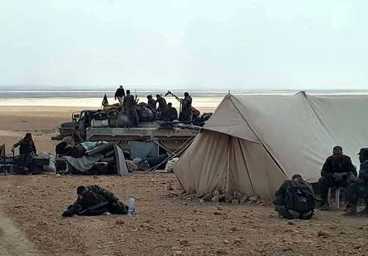 Anh: Quan doi Syria mo mat tran moi giai phong Deir ez Zor-Hinh-4