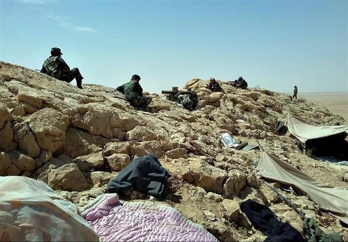 Anh: Quan doi Syria mo mat tran moi giai phong Deir ez Zor