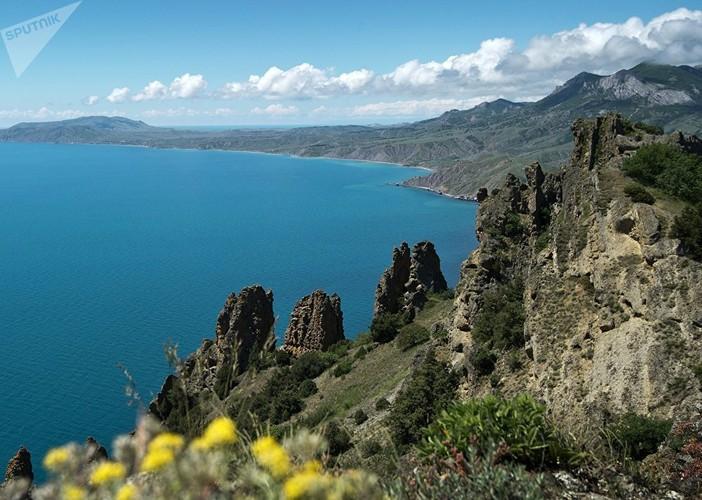 Dep nhu tranh ve  Khu Bao ton thien nhien o Crimea-Hinh-4