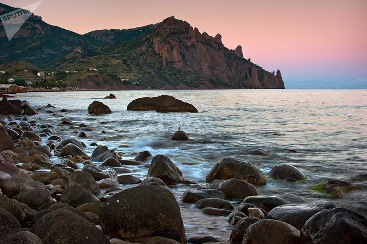 Dep nhu tranh ve  Khu Bao ton thien nhien o Crimea