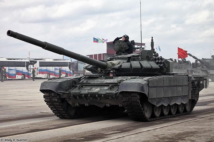 Mo xe phien ban xe tang T-72B3 hien dai nhat hanh tinh-Hinh-10