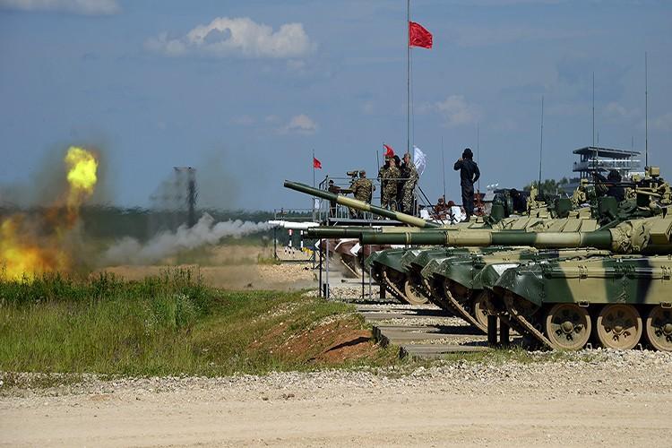 Mo xe phien ban xe tang T-72B3 hien dai nhat hanh tinh-Hinh-11