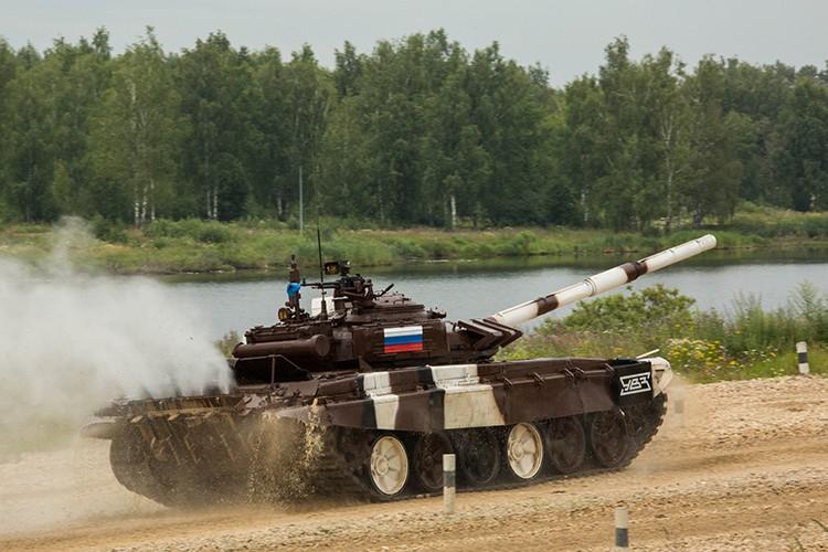 Mo xe phien ban xe tang T-72B3 hien dai nhat hanh tinh-Hinh-2