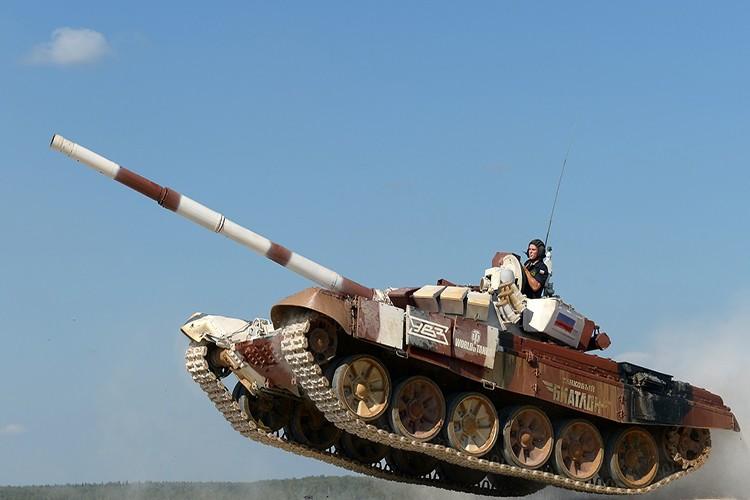 Mo xe phien ban xe tang T-72B3 hien dai nhat hanh tinh-Hinh-3