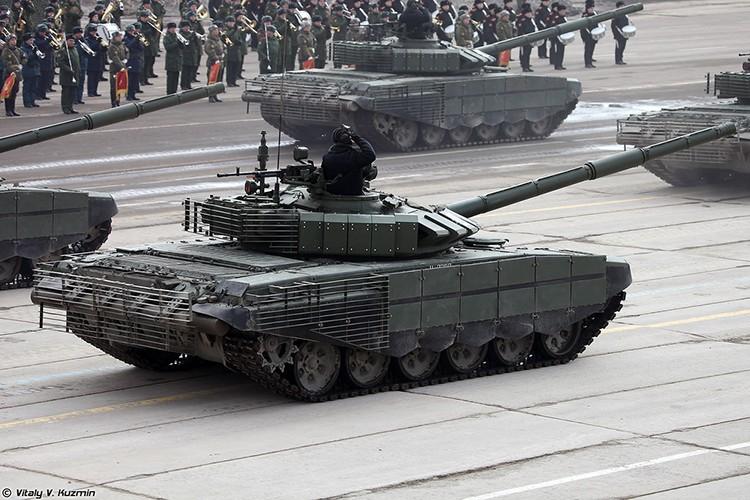 Mo xe phien ban xe tang T-72B3 hien dai nhat hanh tinh-Hinh-9