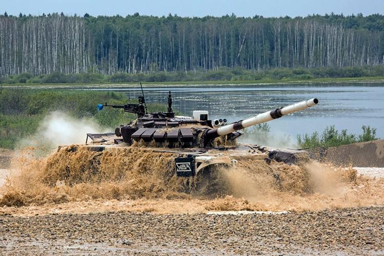 Mo xe phien ban xe tang T-72B3 hien dai nhat hanh tinh