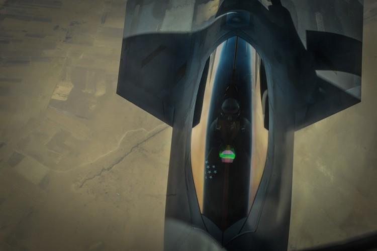 Tiet lo diem yeu chet nguoi cua sieu co F-22 My-Hinh-13