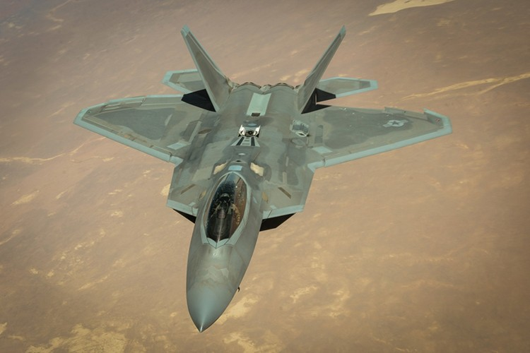 Tiet lo diem yeu chet nguoi cua sieu co F-22 My-Hinh-15