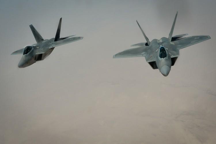 Tiet lo diem yeu chet nguoi cua sieu co F-22 My-Hinh-3