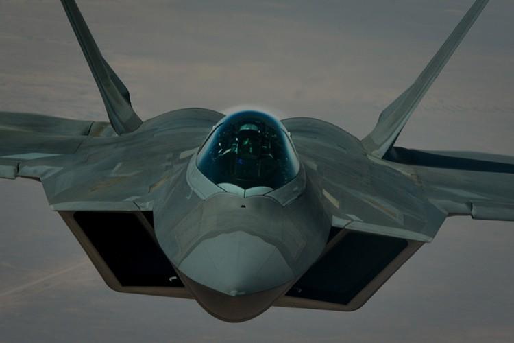 Tiet lo diem yeu chet nguoi cua sieu co F-22 My-Hinh-7