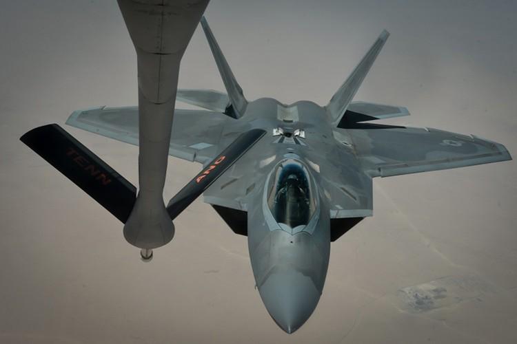 Tiet lo diem yeu chet nguoi cua sieu co F-22 My-Hinh-9