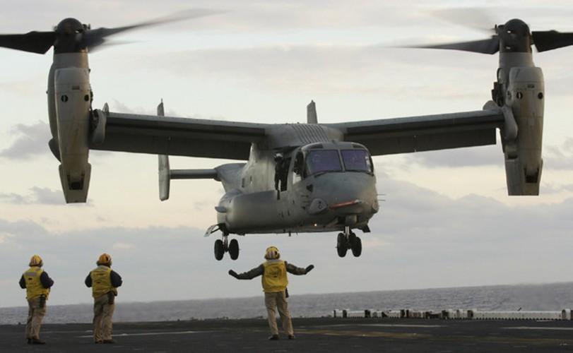 """Boeing V-22 Osprey """"chim ung bien"""" cua Hai quan My"""