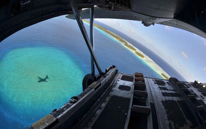 Guam: tau san bay khong the bi danh chim cua My-Hinh-19