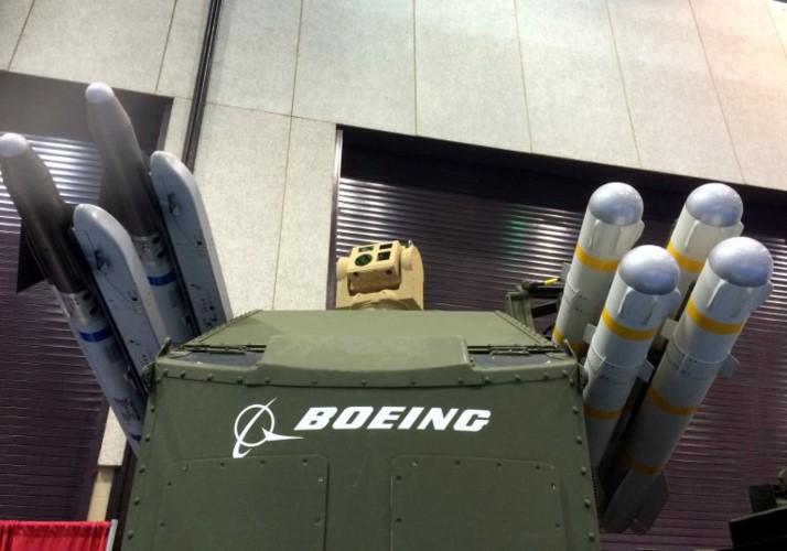 My lot xac Stryker, may bay, xe tang Nga coi chung-Hinh-4