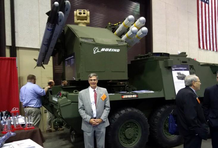 My lot xac Stryker, may bay, xe tang Nga coi chung-Hinh-8