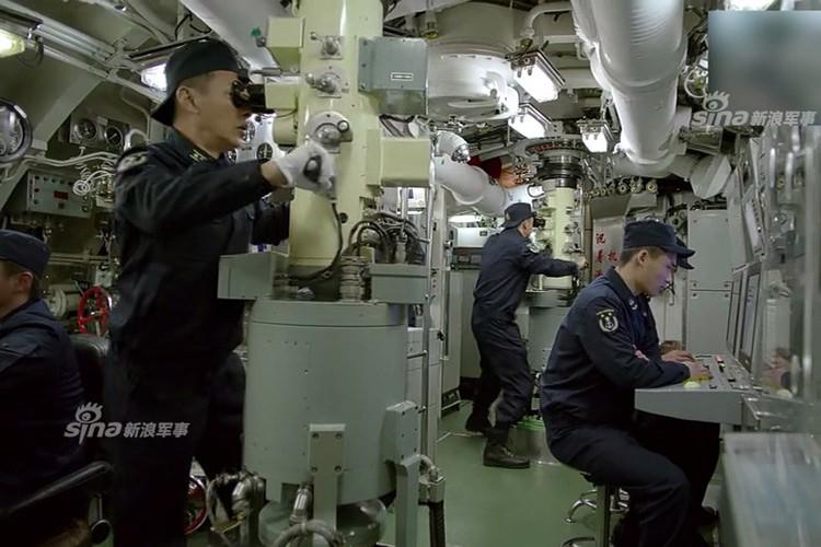 Anh QS cuoi tuan: J-15 Trung Quoc bi ha guc boi chim-Hinh-10