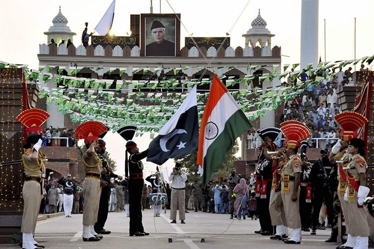 Pakistan ke dung giua trong xung dot Trung-An-Hinh-16