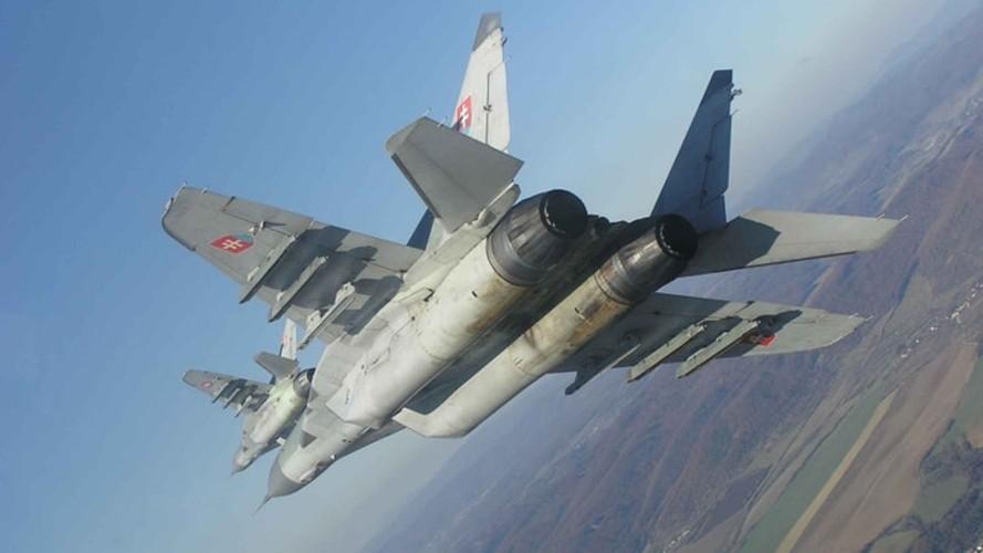 MiG-29 huyen thoai bat tu cua Khong quan Nga-Hinh-18
