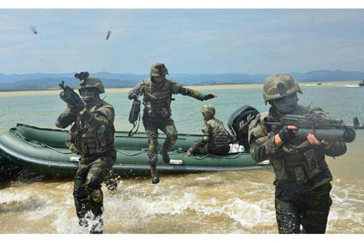 Khiep via dac nhiem Trieu Tien dien tap tan cong do bo-Hinh-6