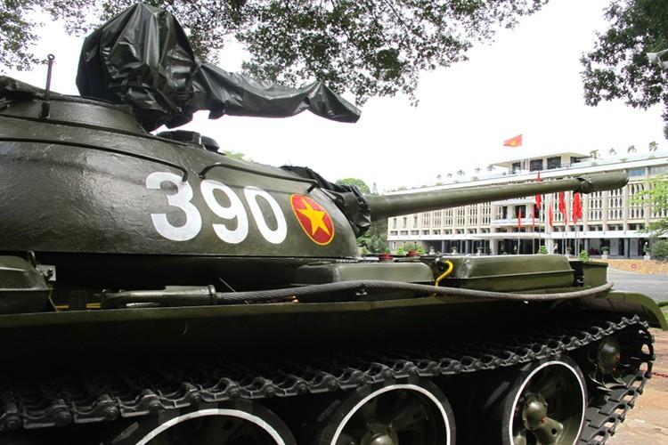 Tuong tan xe tang huc do cong Dinh Doc Lap vao ngay 30/4/1975-Hinh-5