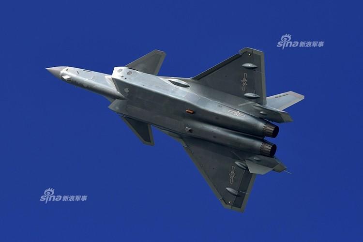 Nguy hiem: J-20 Trung Quoc da san sang tham chien-Hinh-5