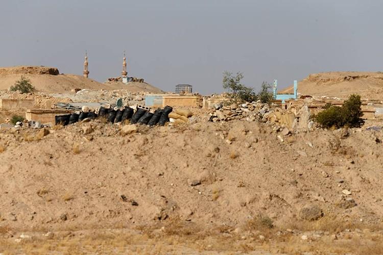 Nong: Hinh anh dau tien ben trong Deir Ezzor sau ngay giai vay-Hinh-16