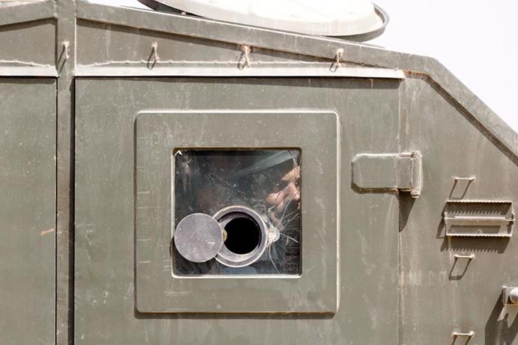 Nong: Hinh anh dau tien ben trong Deir Ezzor sau ngay giai vay-Hinh-4