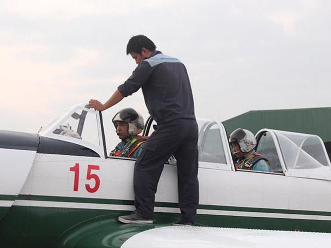 Mot ngay huan luyen cua tan phi cong Khong quan Viet Nam-Hinh-6