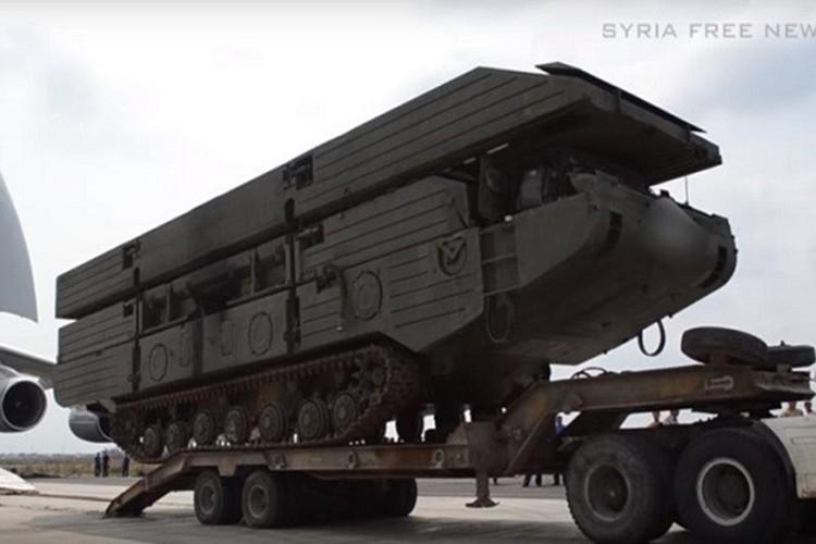 """Nga tung """"nam dam thep"""" giup Quan doi Syria vay chat IS-Hinh-4"""