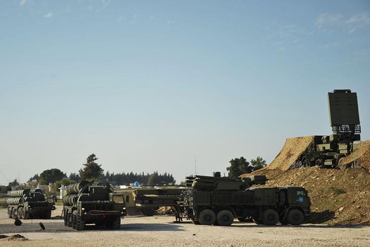 "Nga quyet ""dong"" khong phan Syria bang to hop S-400 thu hai-Hinh-6"