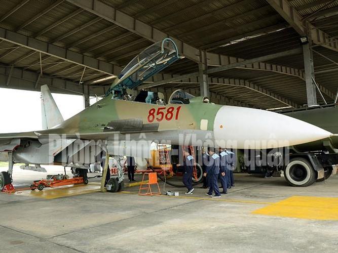 Lang tham nang nhung canh bay Su-30MK2 Viet Nam-Hinh-2