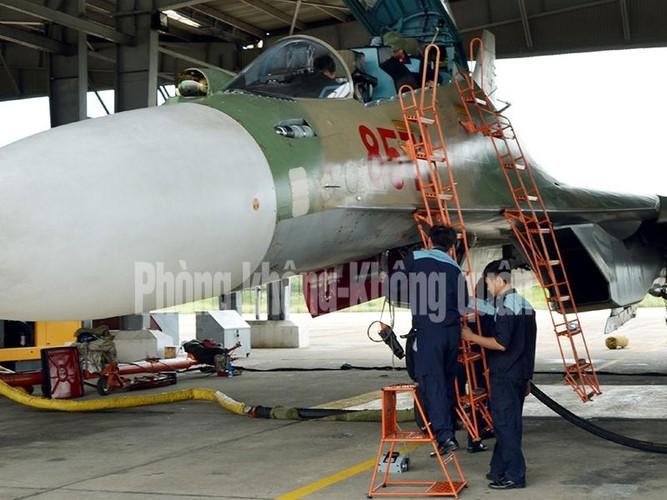 Lang tham nang nhung canh bay Su-30MK2 Viet Nam-Hinh-3