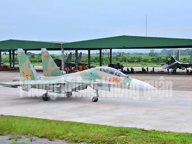 Lang tham nang nhung canh bay Su-30MK2 Viet Nam-Hinh-6