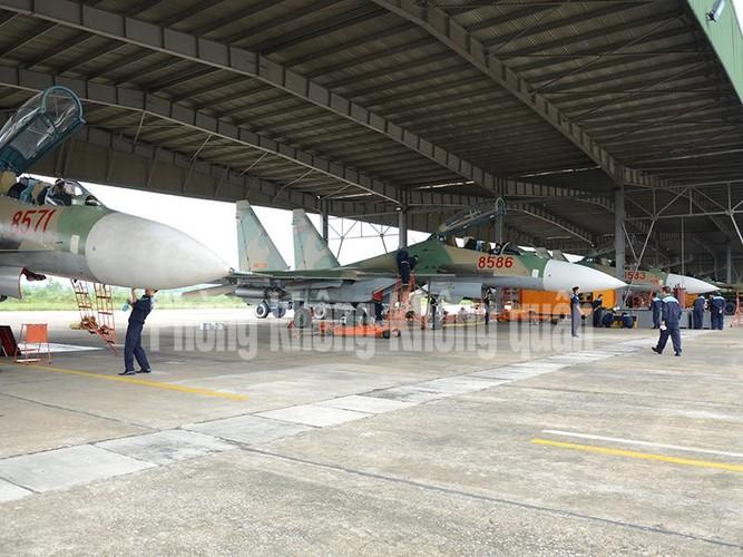 Lang tham nang nhung canh bay Su-30MK2 Viet Nam