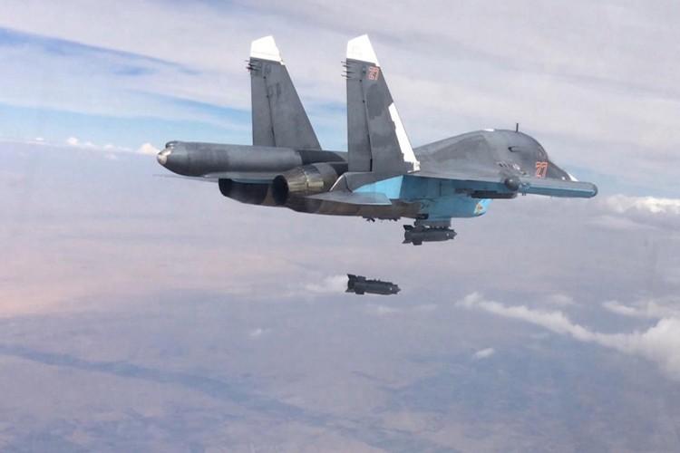 Chien truong Syria: Quan doi Nga the hien ban linh hon My-Hinh-8